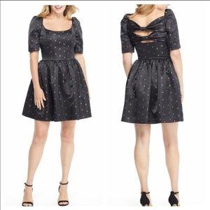 NWT Gal Meets Glam Maude Daisy Satin Dress